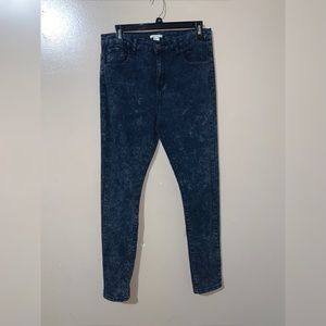 Forever 21 women's dark washed out jeans